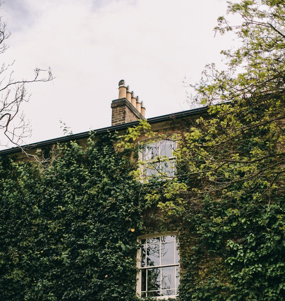 Vakkert klassisk townhouse med fin solrik have Fagerborg vurderes solgt